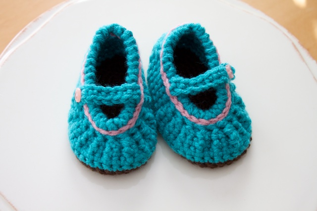 Simply Modern Mom Crochet Mary Jane Baby Shoes