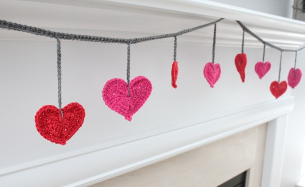 crochet heart garland 2
